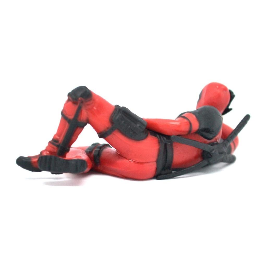 """Deadpool - """"лежачая"""" фигурка на торпеду в машину"""