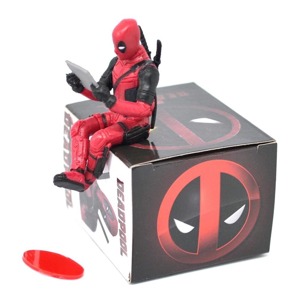"""Deadpool - """"сидячая"""" фигурка на торпеду автомобиля"""