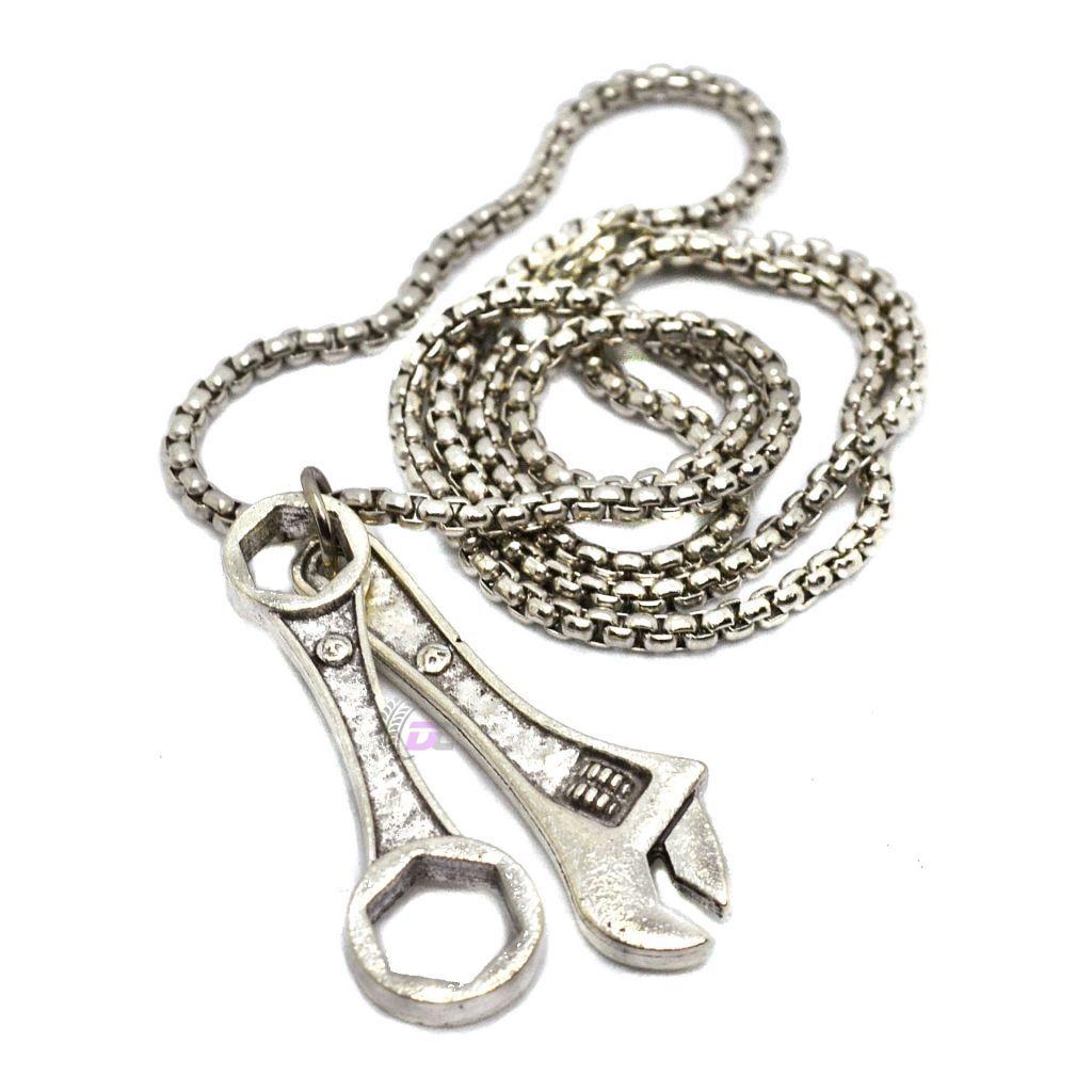 Подвеска на шею - Рожково-накидной и разводной ключ