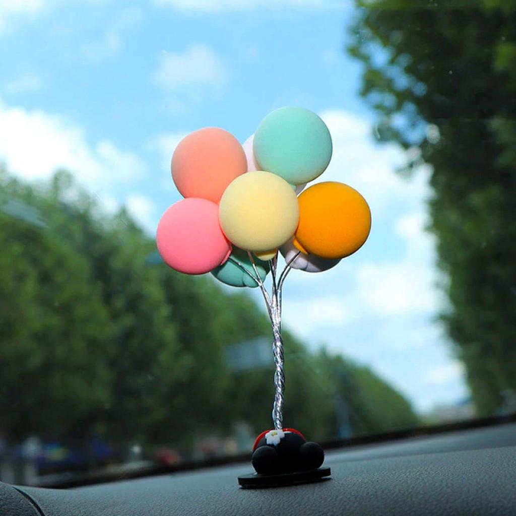 """""""Воздушные шарики"""" - фигурка на торпеду автомобиля"""